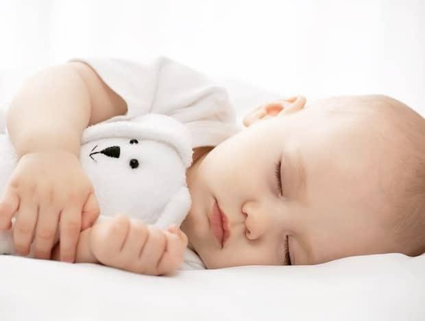 sommeil huiles essentielles enfant